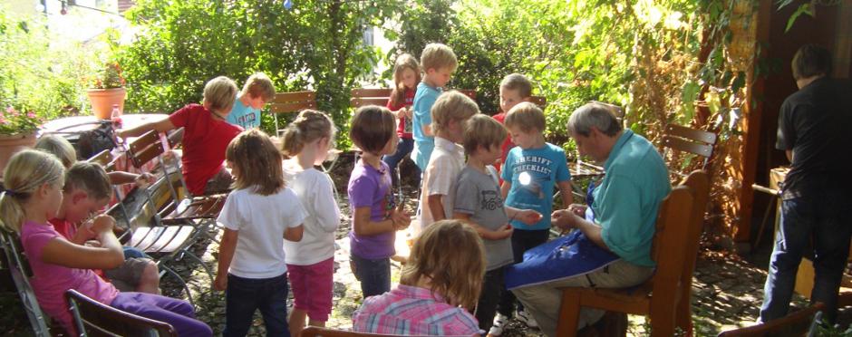 Schnitzkurs Kulmbach mit Kinder in der Gruppe Roland Friedrich
